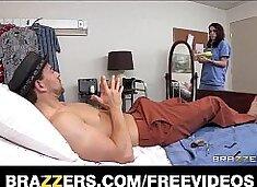 Incredibly HOT teen nurse deepthroats her patient`s cock