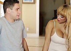 Do you wanna fuck your Mommy? - Alyssa Lynn and Brad Knight
