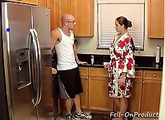 [Taboo Passions] Son get`s nasty with mom Madisin Lee in Gotta Workout