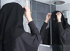 Sex With Muslim Niqab Mom