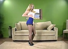 Sexy blonde MILF in miniskirt pantyhose let us see her thong and her ass !