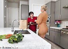 Hot mature mom Ryan Keely bangs nerd 19 yo stepson in the kitchen